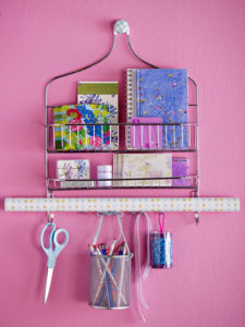 shower-caddy-gift-wrapping